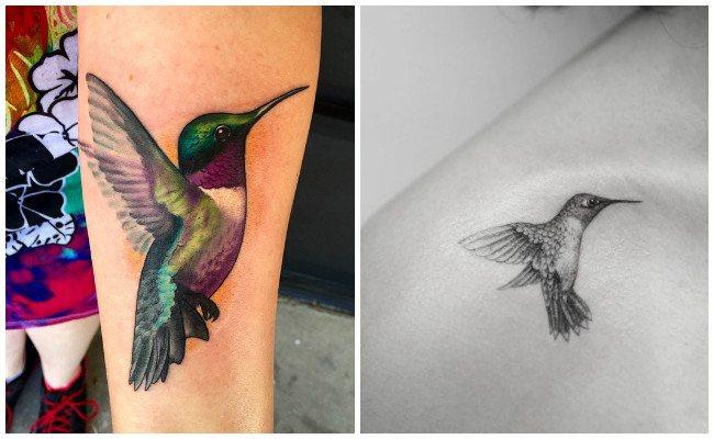 Tatuaje de colibrí con flores